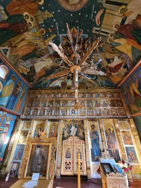 Interior Manastirea Cetatuia noua
