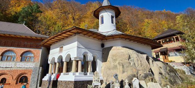 Manastiri rupestre Arges manastirea Namaiesti