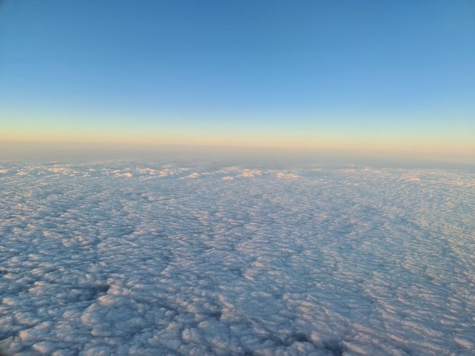 Zbor peste nori