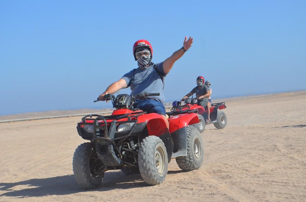 ATV desert safari Egipt