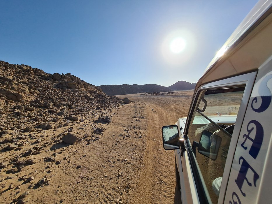 Masini prin desert