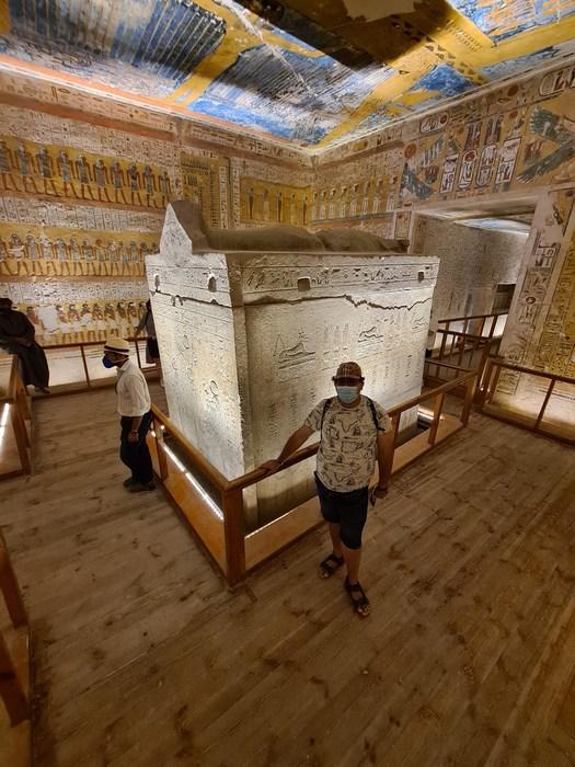 Poza cu sarcofag