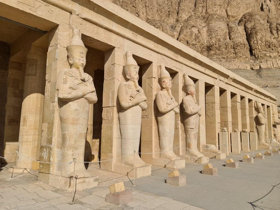 Statui Hatshepsut Osiris