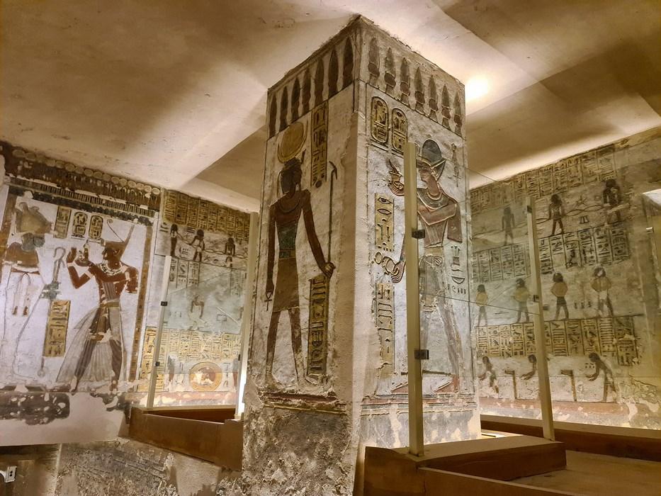 Coloane Ramses III