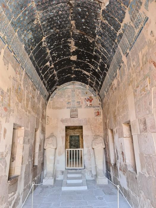 O alta capela la templu Hatshepsut