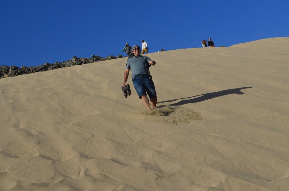 Coborare pe duna de nisip