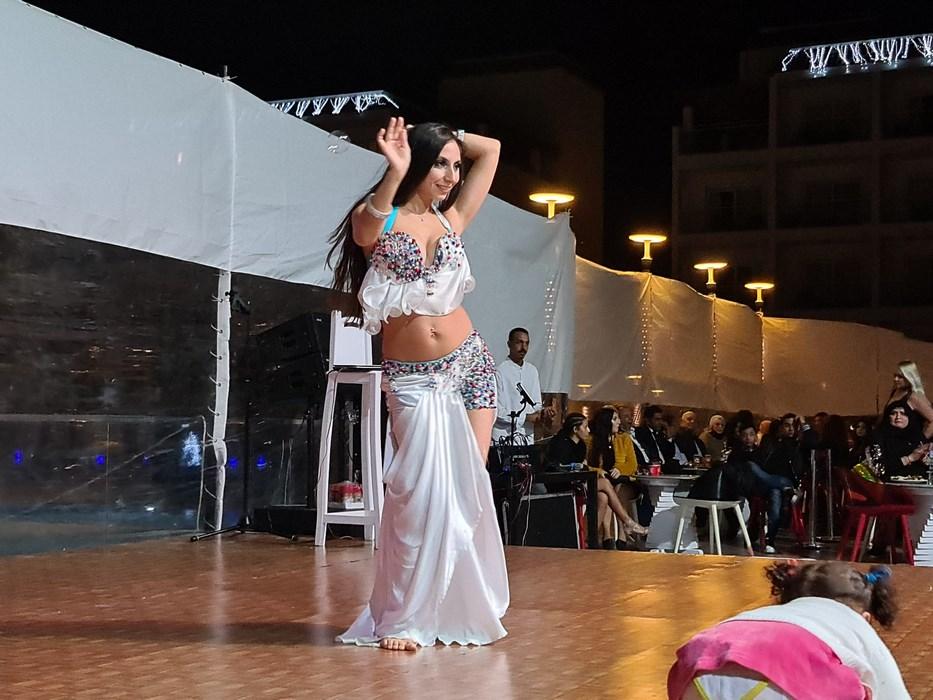 Dans din buric Egipt