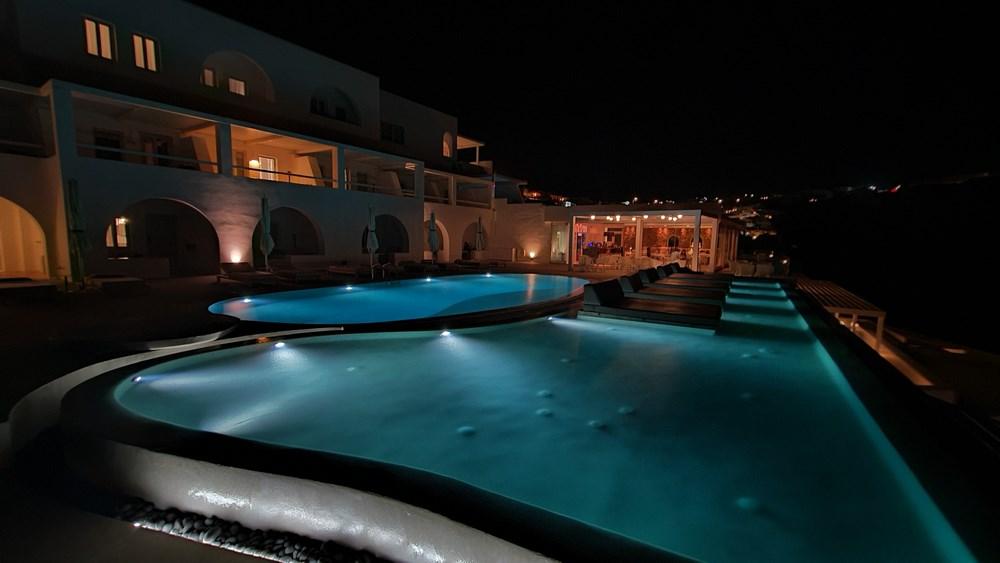 Lilium Santorini noaptea