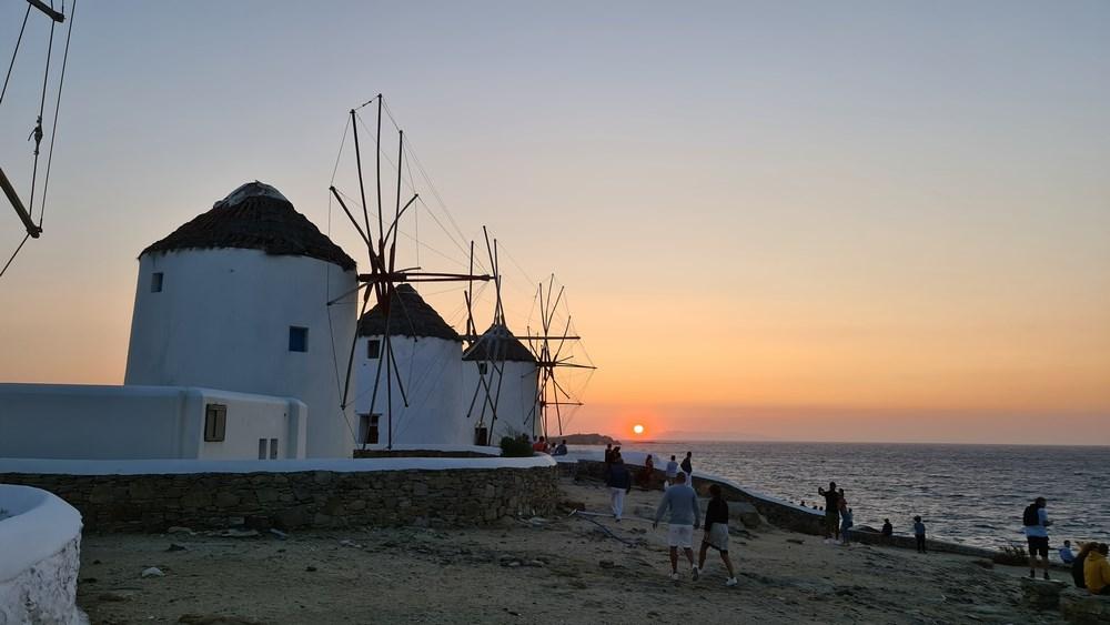 Apus de soare in Mykonos