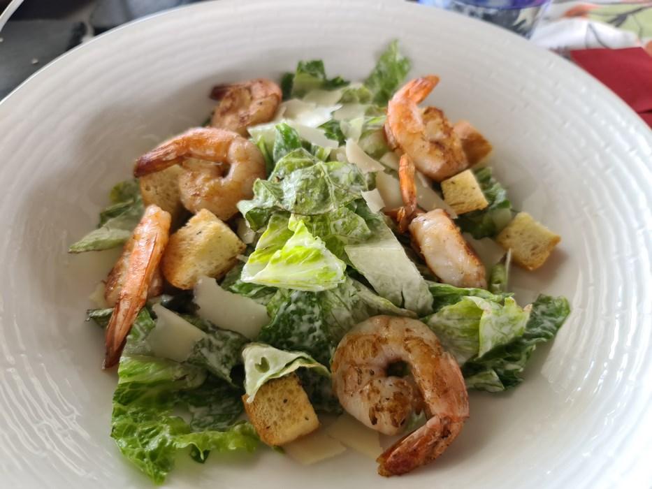 Salata Cezar fructe de mare