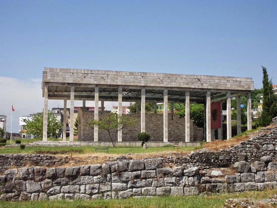 Leszhe memorialul Skanderbeg