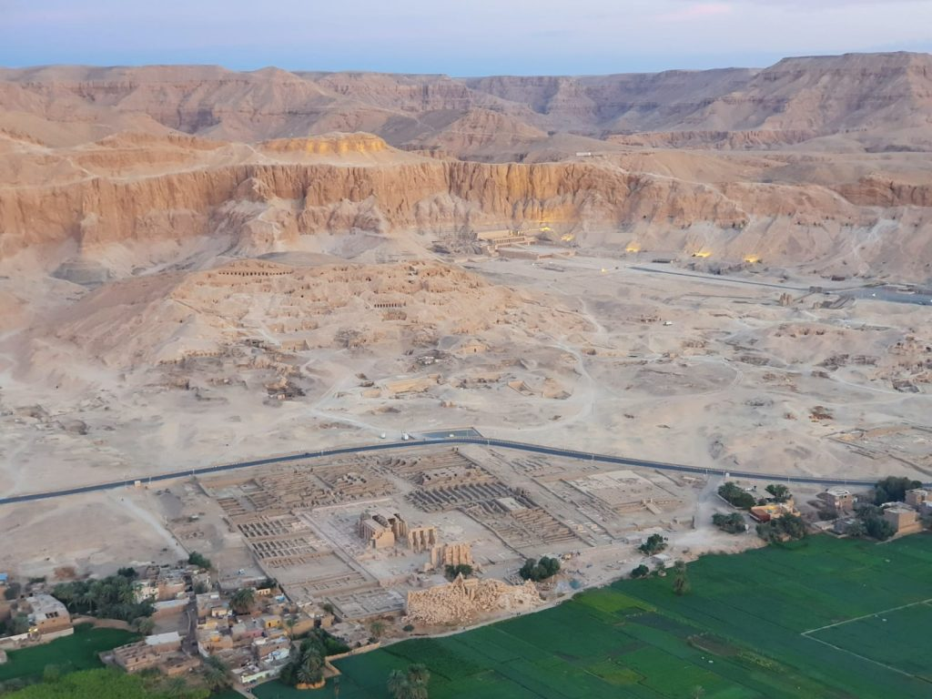 Imagine din balon Luxor