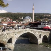 Podul si Moscheea Sinan Pasa Prizren