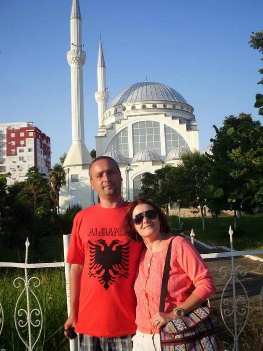 Shkoeder Moscheea Ebu Beker