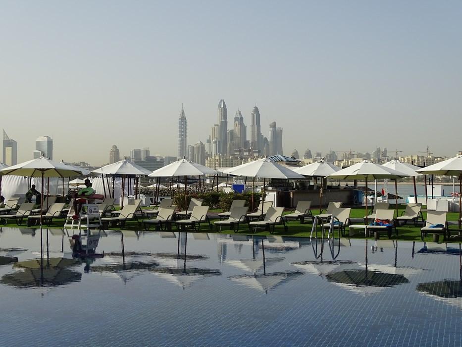 Piscina aer liber Rixos Dubai
