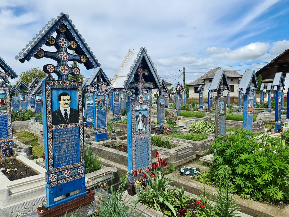 Cruci cimitirul vesel