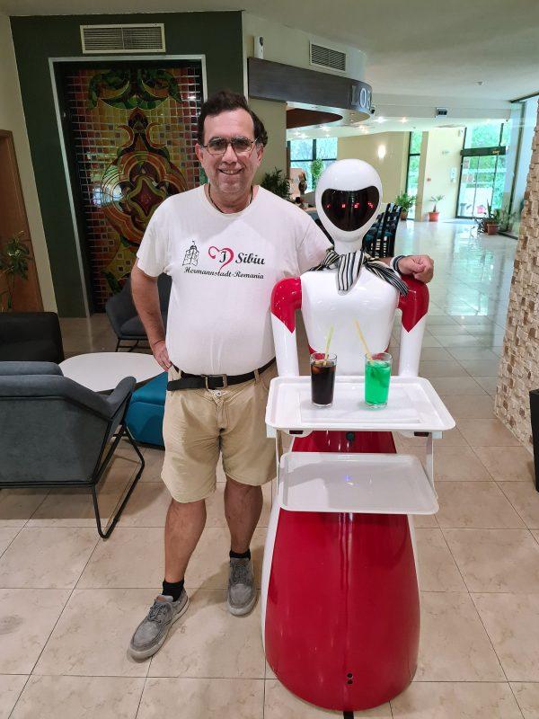 Robot cu cocktailuri
