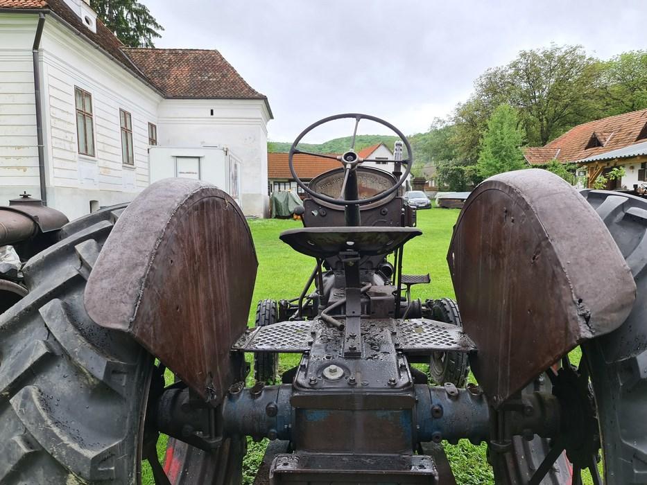 Tractor antic