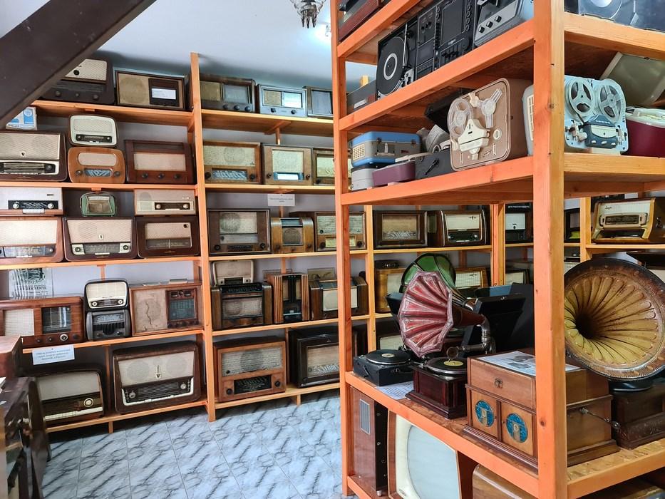 Muzeu radiouri Cernat
