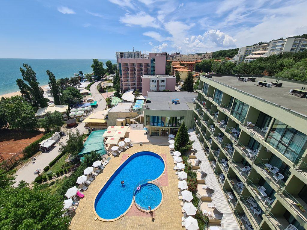 Sky Bar Palm Beach Hotel