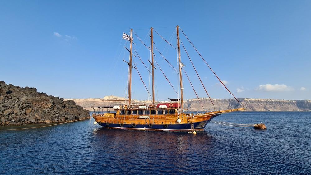 Sailing in Grecia