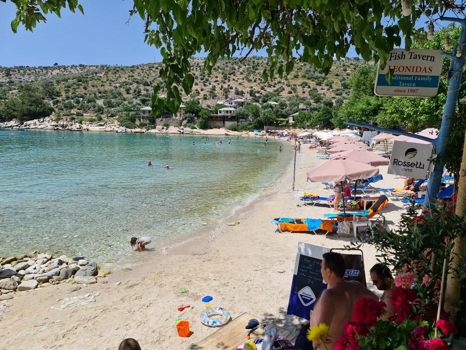 Plaja Aliki