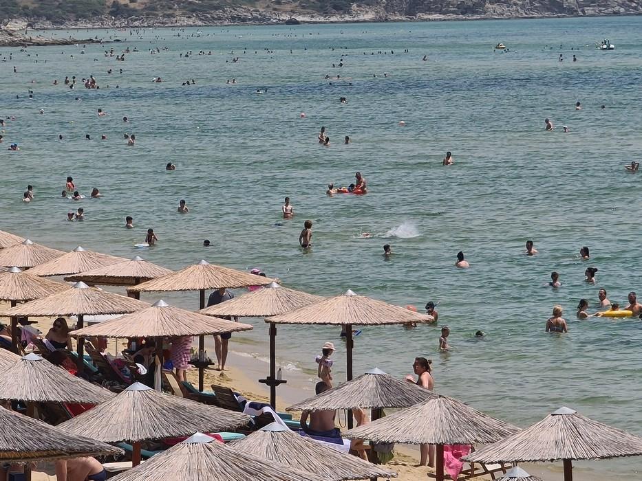 Nea Peramos beach