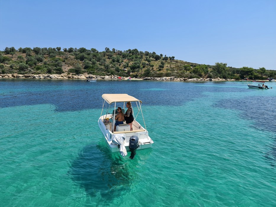 Blue Lagoon Amouliani