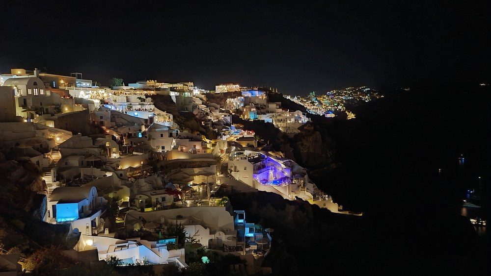 Oia by night
