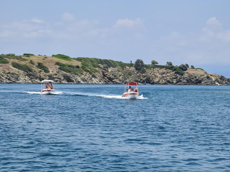Barci inchiriat Ammouliani