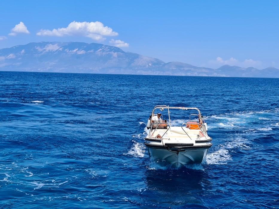 Barca Blue Caves