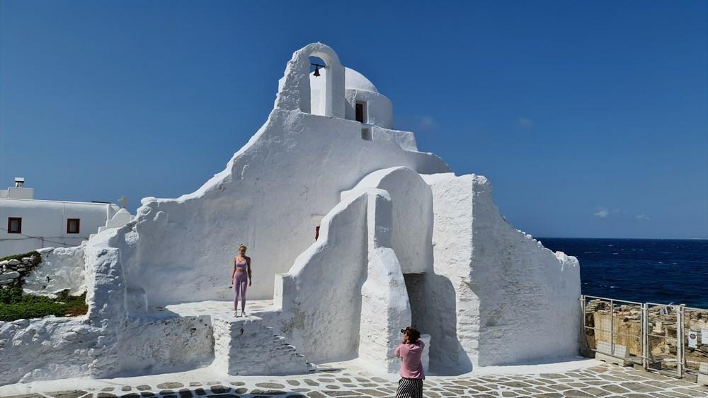 Cea mai ciudata biserica din Ciclade