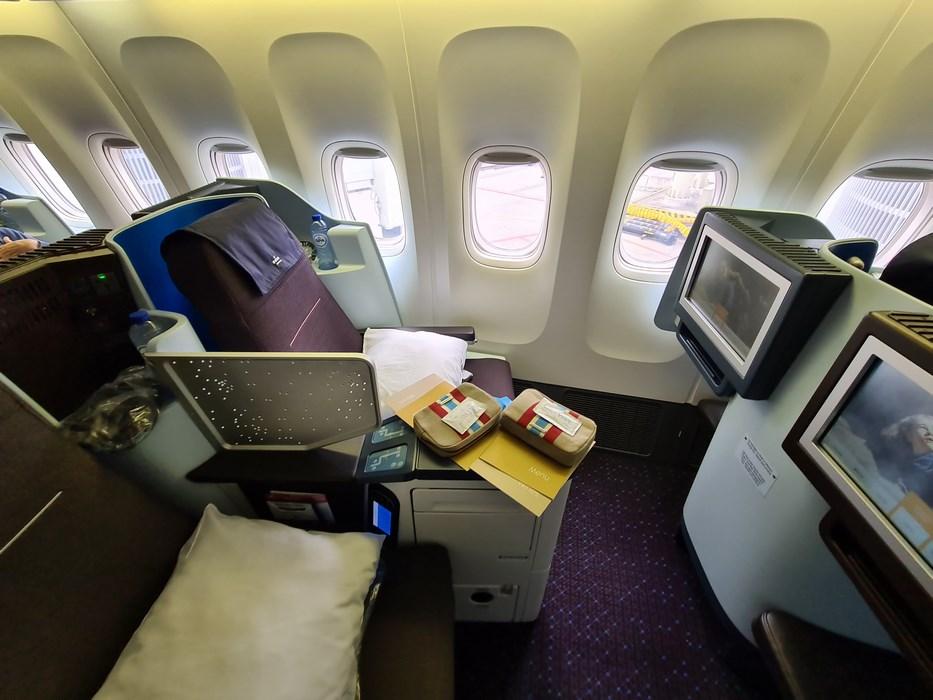 B KLM business class