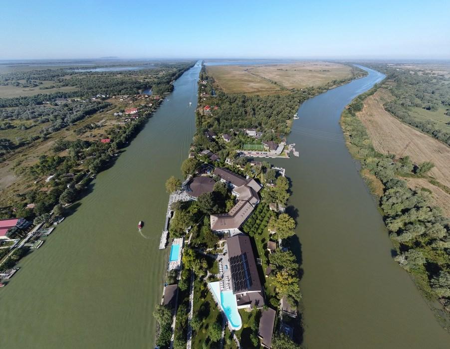 Panorama Drona Lebada Resort